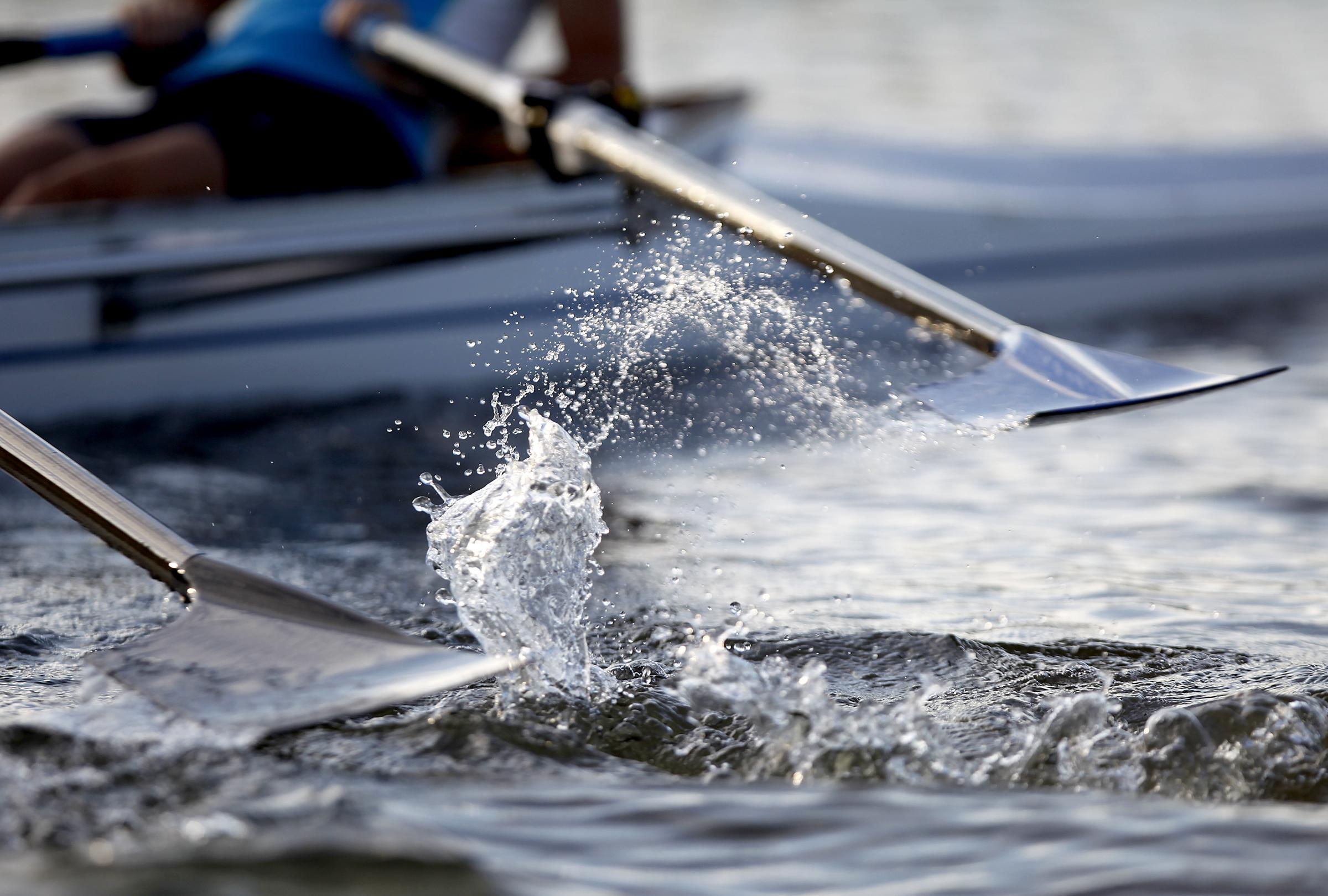 Rowing oars crew