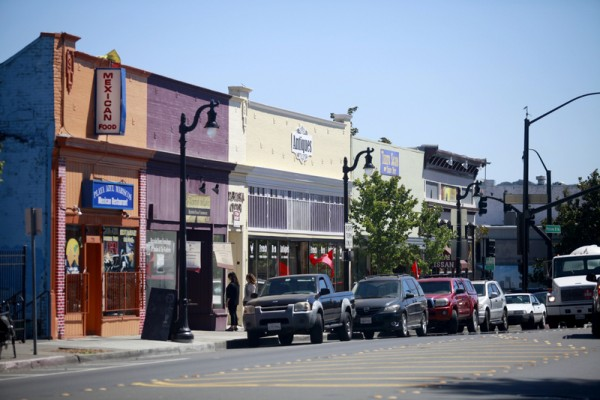 Shops and restaurants line Petaluma Blvd. north of Washington St.